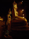 Gilded Statues of Buddha at the Grand Palace Temple Complex, Bangkok Fotografisk tryk af Paul Chesley