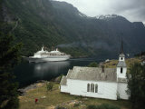 Passenger Ship Cruising the Fjords of Norway Fotografisk tryk af Paul Chesley