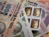 Indian Rupees and Stamps Photographie par Abraham Nowitz