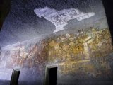 Buddhist Religious Cave Paintings in One of the Ajanta Caves Photographie par Abraham Nowitz