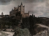 View of the Palace Alcazar Located in the Cliffs of Segovia Lámina fotográfica por Courtellemont, Gervais