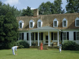 People Play Croquet on Lawn in Front of Colonial-Era Estate Photographic Print