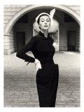 John French - Anne Gunning in a Velveteen Evening Coat, 1952 Digitálně vytištěná reprodukce