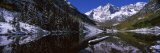 Reflection of a Mountain in a Lake, Maroon Bells, Aspen, Pitkin County, Colorado, USA Fotografisk tryk af Panoramic Images