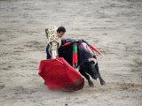 Matador and a Bull in a Bullring, Lima, Peru Fotodruck