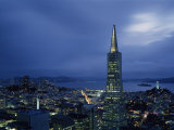 Buildings Lit Up at Dusk, Transamerica Pyramid, Coit Tower, San Francisco, California, USA Photographie