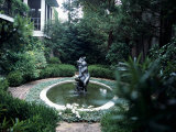 Fountain in a Garden, Savannah, Chatham County, Georgia, USA Lmina fotogrfica