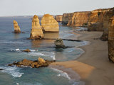 Victoria, Some of Twelve Apostles Standing in Shallow Water, Port Campbell National Park, Australia Lámina fotográfica por Nigel Pavitt