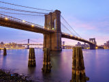 New York City, Manhattan, the Brooklyn and Manhattan Bridges Spanning the East River, USA Photographie par Gavin Hellier