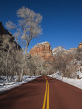 Utah, Zion National Park, Zion Canyon Scenic Drive, Winter, USA Photographie par Walter Bibikow