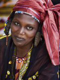 Gao, A Songhay Woman at Gao Market with an Elaborate Coiffure Typical of Her Tribe, Mali Lámina fotográfica por Nigel Pavitt