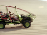 Dune Buggy Speeds Tourists Acoss Through the Sand Dunes Near Huacachina, in Southern Peru Impresso fotogrfica por Andrew Watson