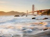 California, San Francisco, Golden Gate Bridge from Marshall Beach, USA Fotografie-Druck von Alan Copson