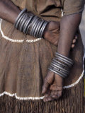 Numerous Decorated Iron Bracelets Worn by a Datoga Woman, Tanzania Fotografisk tryk af Nigel Pavitt