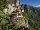Taktsang Dzong or Tiger's Nest, Built in the 8th Century, Paro, Bhutan Fotografie-Druck von Peter Adams