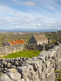 Traditional Thatched Roof Cottage, Inisheer, Aran Islands, Co, Galway, Ireland Reproduction photographique par Doug Pearson