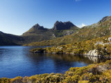 Dove Lake on 'Cradle Mountain-Lake St Clair National Park', Tasmania, Australia Fotografisk tryk af Christian Kober
