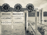 Piedmont, Lake Maggiore, Cannobio, Lake Ferry Timetable, Italy Reproduction photographique par Walter Bibikow