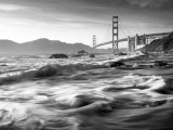 California, San Francisco, Golden Gate Bridge from Marshall Beach, USA Fotografisk tryk af Alan Copson