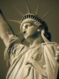 Statue of Liberty, New York City, USA Fotografie-Druck von Jon Arnold