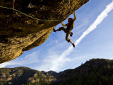 Climber Tackles Difficult Route on Overhang at the Cliffs of Margalef, Catalunya Fotografisk tryk af David Pickford
