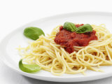 Spaghetti with Tomato Sauce, Italy, Europe Fotografisk tryk af Angelo Cavalli