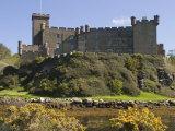 Dunvegan Castle, Skye, Inner Hebrides, Scotland, United Kingdom, Europe Fotografisk trykk av Rolf Richardson