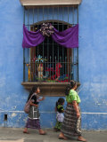 Window Adorned for Holy Week Procession, Antigua, Guatemala, Central America Lámina fotográfica por Sergio Pitamitz