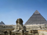 Great Sphinx and Pyramid of Khephren and Menkaure (to left) 4th dynasty, Giza, Egypt Fotografisk tryk