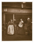 Sufferers from the Flood, from 'Street Life in London', by Adolphe Smith, 1877-78 Reproduction procédé giclée par John Thomson