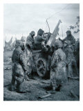 Camouflaged Soldiers with an Anti-aircraft Gun, 1917 Giclee Print
