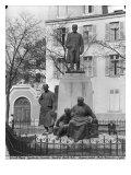 Monument to Emile Zola, Avenue Emile Zola, Paris, C.1902-09 Giclee Print by Constantin Meunier