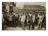 Workers Mustering to Resist Kornilov, Petrograd Giclee Print