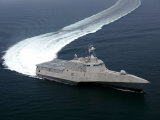 The Littoral Combat Ship Independence Underway During Builder's Trials in the Gulf of Mexico Photographic Print