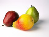 Three Pears, Red, Yellow and Green, on White Background Photographie par Diane Miller