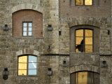 Reflections in the Windows of a Building in Siena Fotografie-Druck von Annie Griffiths Belt