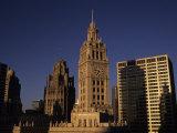 Sunlight on the Wrigley Building Tower and Tribune Building Reproduction photographique par Paul Damien