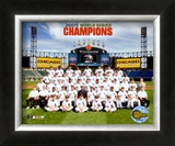 2005 White Sox World Series Champions Sit Down Team Photo Framed Photographic Print