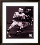 Johnny Unitas - Passing Action (B&W) Framed Photographic Print