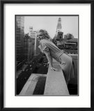Marilyn Monroe at the Ambassador Hotel, New York, c.1955 Poster af Ed Feingersh