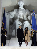 Barack Obama and His Wife Arrive at the Opening Inaugural Celebration at the Lincoln Memorial Fotografisk tryk