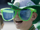 Waiting for Candy and Beads During the Annual St. Patrick's Day Parade in Indianapolis Reprodukcja zdjęcia