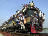 Bangladeshi Muslim Pilgrims Crowd a Train as They Return Home after Three-Day Islamic Congregation Photographic Print
