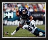 Jeremy Shockey - '04/'05 breaking tackle vs. Eagles ©Photofile Framed Photographic Print