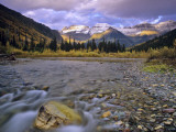 Mcdonald Creek and Garden Wall in Glacier National Park, Montana, USA Stampa fotografica di Chuck Haney