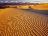 Mesquite Flat Sand Dunes in Death Valley National Park in California, USA Stampa fotografica di Chuck Haney