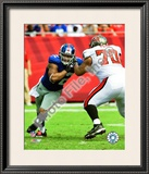 Osi Umenyiora Framed Photographic Print