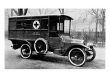 A Motor Ambulance Supplied by Carter&#39;s, New Cavendish Street Reproduction proc&#233;d&#233; gicl&#233;e