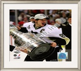 Sidney Crosby Game 7 - 2008-09 NHL Stanley Cup Finals With Trophy Framed Photographic Print