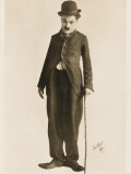 The Movie Legend Charlie Chaplin in Classic Pose Reproduction photographique